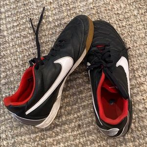 Nike Tempo Indoor Soccer Shoes